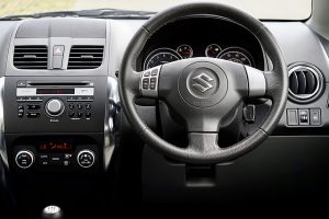 wnętrze Suzuki